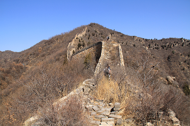 The Great Wall ends at the top of this hill - Bricks in the Wall hike, 2014/03/15