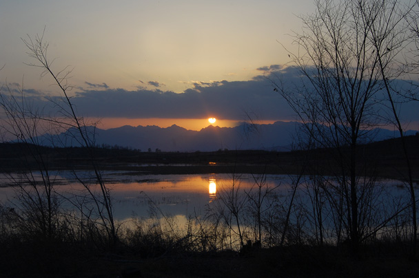 The beginning of a beautiful sun set! - Miyun Birdwatching overnighter, 2014/03/29-30