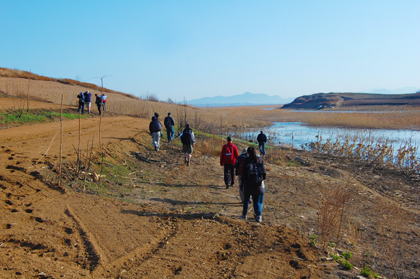 On the second day of the trip we visited the other side of the reservoir - Miyun Birdwatching overnighter, 2014/03/29-30