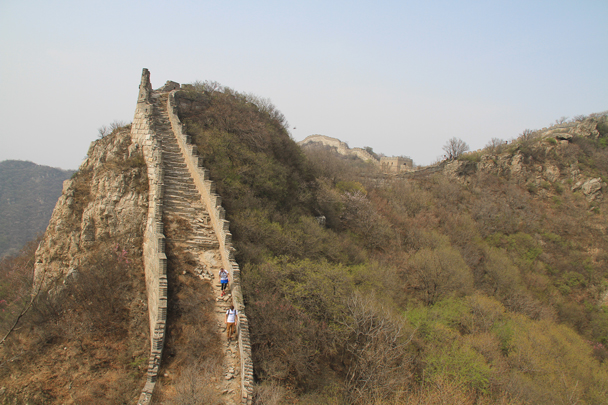 A narrow section of the Great Wall, built on the cliff - Switchback Great Wall, 2014/4/12
