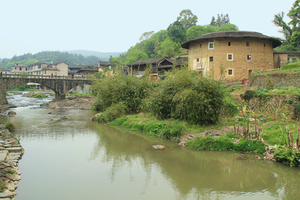 In a different area, we took a stroll along the riverside and explored another cluster of tulou buildings - Hakka Tulou Clusters and Xiamen, Fujian Province, 2014/04
