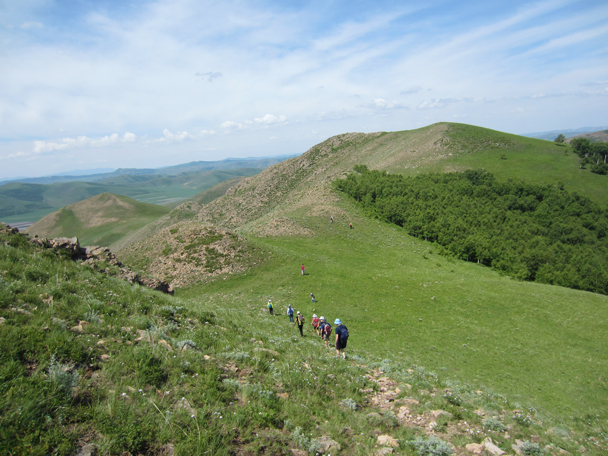 After a break at the top, we continued the hike -  Bashang Grasslands trip, 2014/7