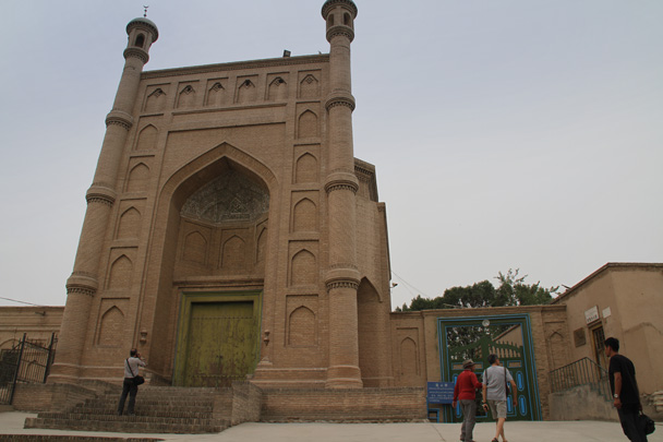 The mosque in the old town of Kuqa - Along the Silk Road from Korla to Kashgar, 2014/06