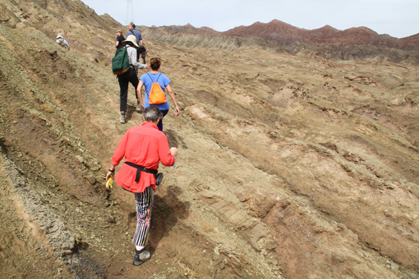 We hiked up into the hills. (Move below?) - Along the Silk Road from Korla to Kashgar, 2014/06