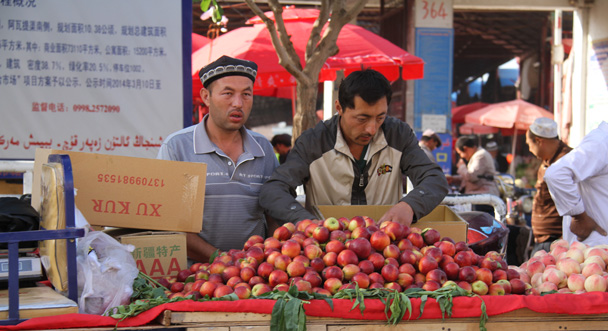 Apples and peaches for sale - Along the Silk Road from Korla to Kashgar, 2014/06