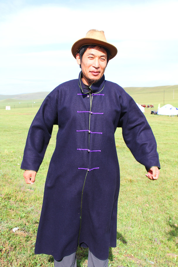 Hiking guide Yanjing trying it out. Looks like a good fit! - Hulunbuir Grasslands, Inner Mongolia, 2014/07