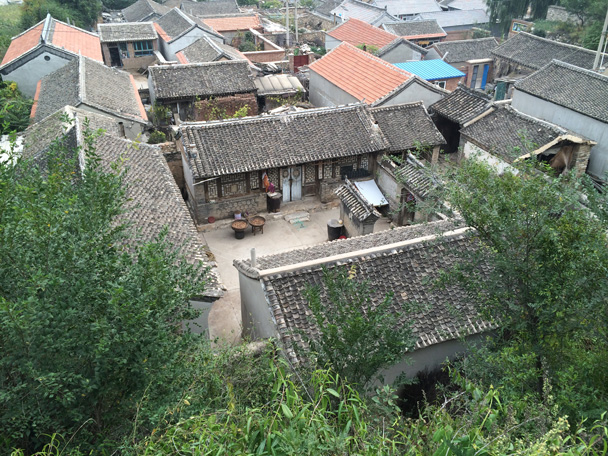 A tidy village courtyard - Changyucheng Walled Village hike and Countryside Opera Performance, 2014/09/21