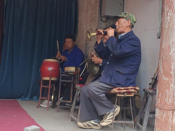 A small traditional orchestra provides music for the performance - Changyucheng Walled Village hike and Countryside Opera Performance, 2014/09/21