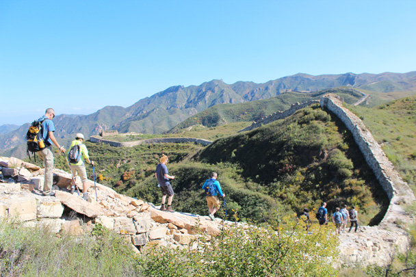 Hikers walking on - Yanqing Great Wall and High tower, 2014/09/27