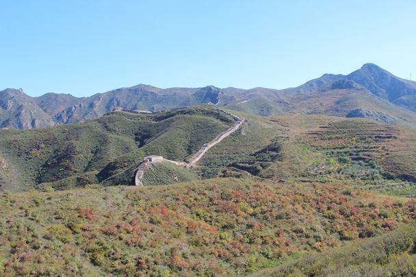 The trail would take us along the wall in this shot - Yanqing Great Wall and High tower, 2014/09/27
