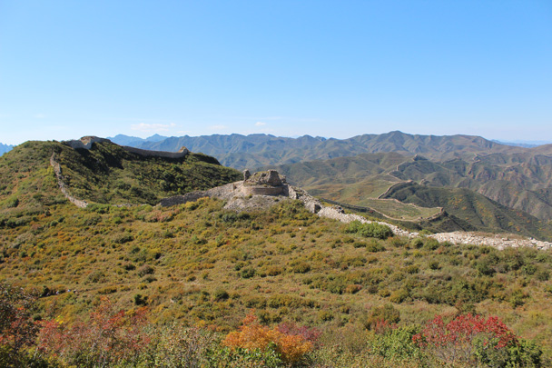 Looking back along the trail, with the foundation of an unusual round-shaped tower in the foreground - Yanqing Great Wall and High tower, 2014/09/27