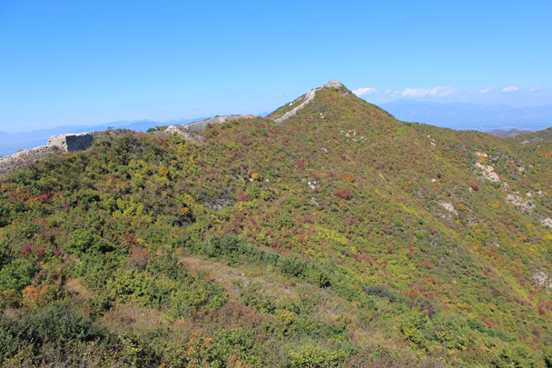 The Great Wall runs along the ridges - Yanqing Great Wall and High tower, 2014/09/27