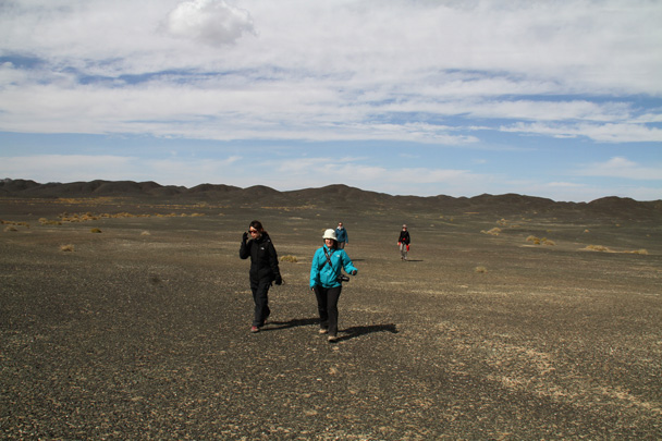Another hike in the desert on the way to Dunhuang - Journey from the West, 2014/10