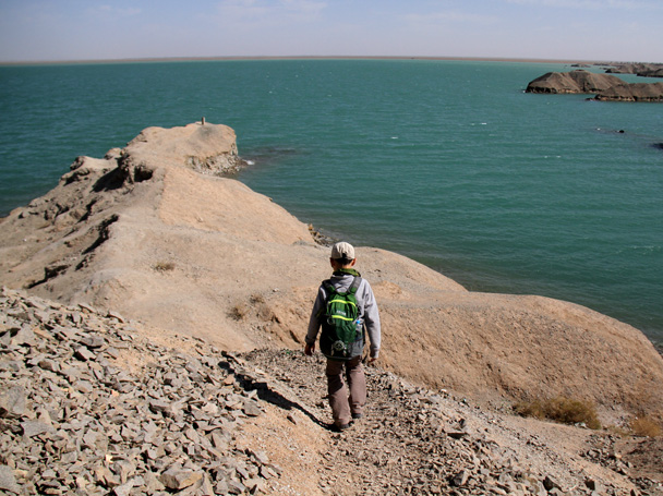 It's amazing to see so much water in the middle of the desert - Journey from the West, 2014/10