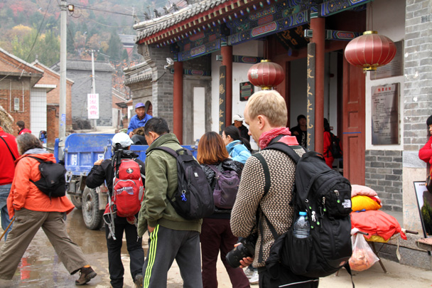 Xiaoyun Temple, at the start of the trail - Yajishan Taoist Temples hike, 2014/10