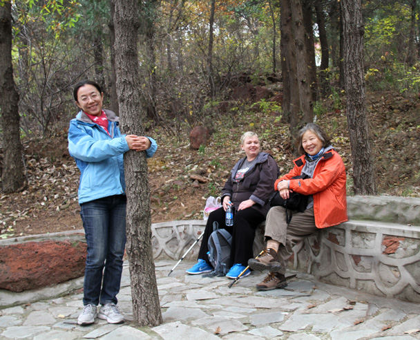 Taking a break beside the trail - Yajishan Taoist Temples hike, 2014/10