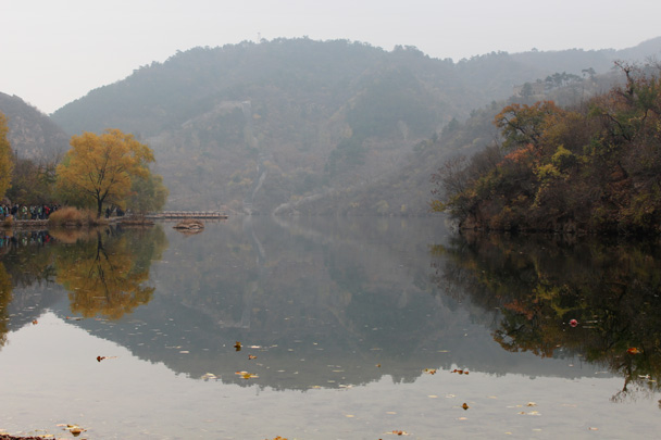 Another shot of the reservoir – and this is mist, not smog! - CNCC teambuilding hike at the Little West Lake, 2014/10