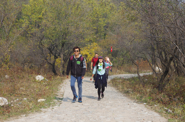 Coming up the path that leads to the Great Wall - Hike Fest 2015