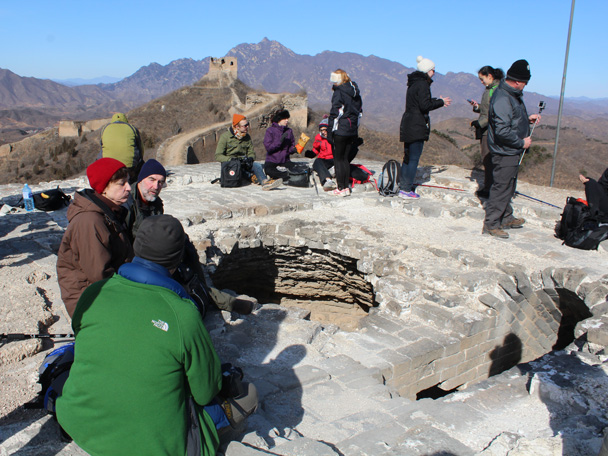 10 A crumbling tower with a caved in roof. A nice spot for a snack break - Gubeikou Great Wall hike, 2015/02/08