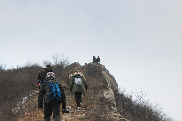 We hiked along overgrown and sometimes tricky terrain today - Middle Route of Switchback Great Wall, 2015/02/21