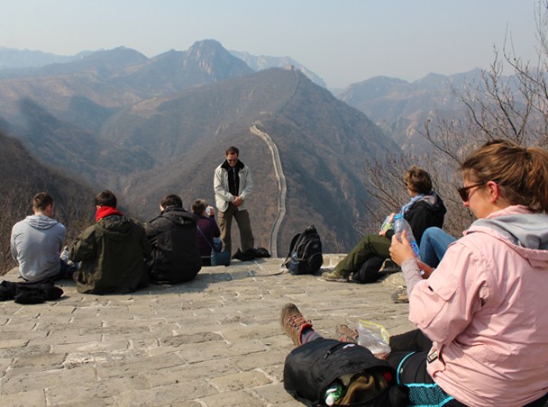 An excellent spot for a break, superb views all around - Longquanyu Great Wall and the Little West Lake, 2015/04