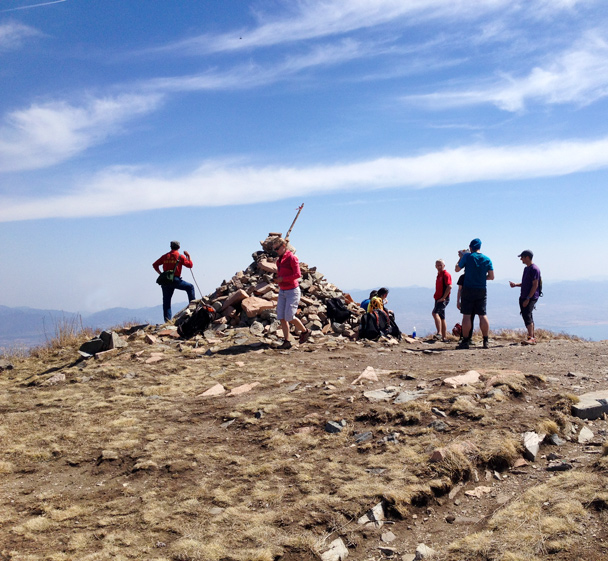 The cairn at the top - Dahaituo Mountain hike, 2015/04/25