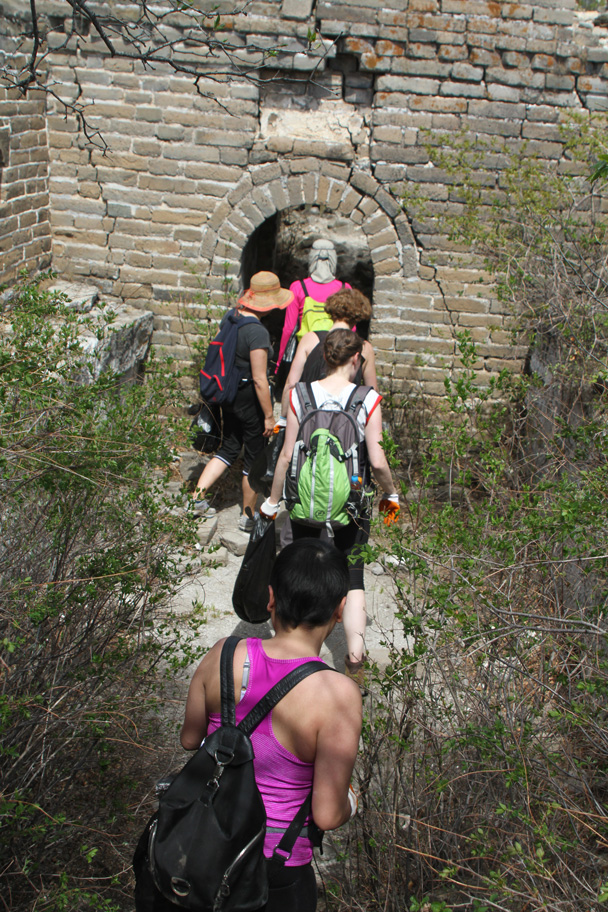 We moved on along the wall - Earth Day Clean Up Hike at Jiankou, 2015/4/25