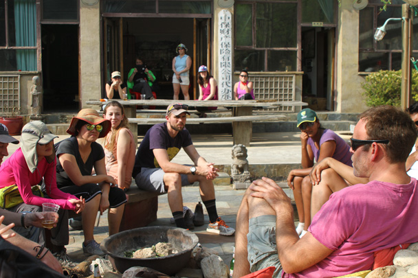 Chatting with Jade - Earth Day Clean Up Hike at Jiankou, 2015/4/25