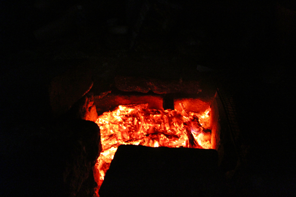 Hot coals - Great Wall Spur Camping, 2015/05
