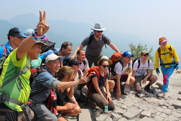 Big group photo with new friends - Great Wall Spur Camping, 2015/05