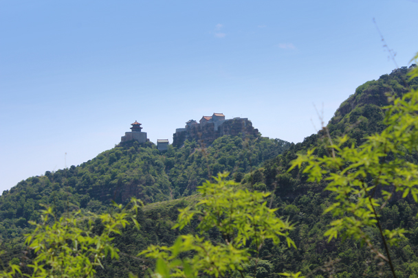 Another view of the impressive hilltop temple - Yajishan Temple Fair, 2015/05/20