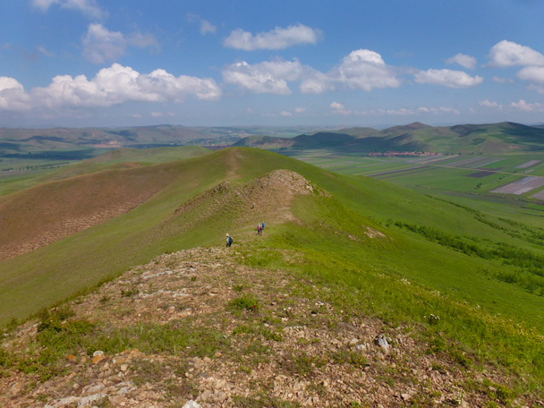 Approaching the higher ground along the ridgeline - Bashang Grasslands, Hebei Province, 2015/06