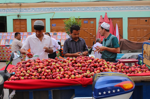 Just the right time of year for peaches - Along the Silk Road from Korla to Kashgar, 2015/06