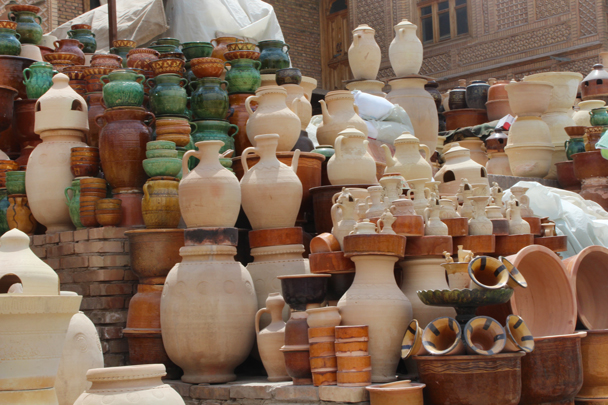 Any kind of pot you could ever need - Along the Silk Road from Korla to Kashgar, 2015/06