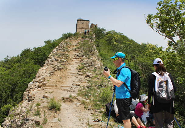 On the wall at last, time for a break - Middle Switchback Great Wall, 2015/06/07