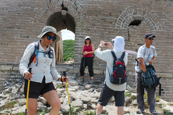 Coming through a tower - Middle Switchback Great Wall, 2015/06/07