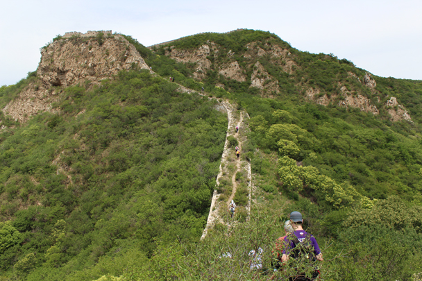 Up ahead, the trail along the wall gets steeper - Middle Switchback Great Wall, 2015/06/07