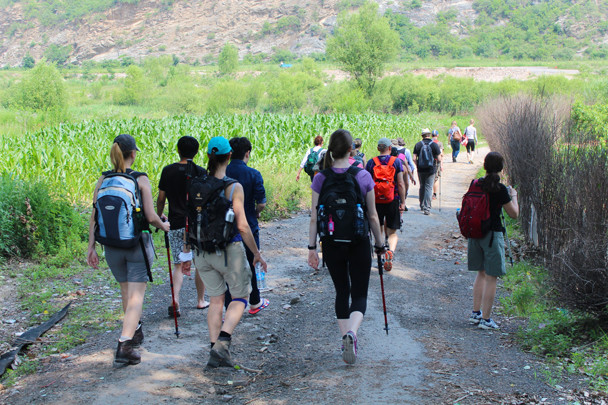 A short walk beside some cornfields took us down to the riverside - White River hike, 2015/07/05