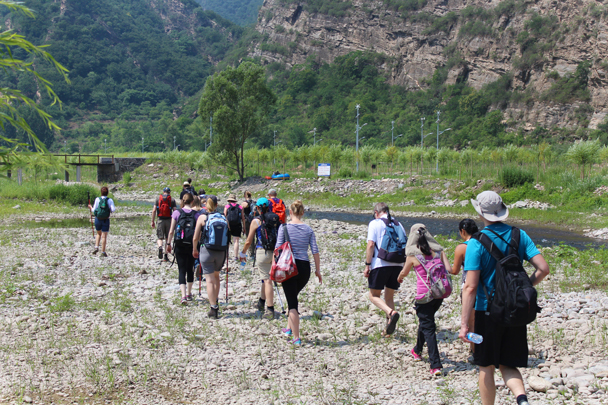 Heading further into the valley, we followed a trail beside the river - White River hike, 2015/07/05