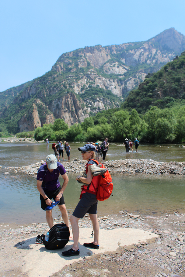 No bridges here, so time for a change of footwear - White River hike, 2015/07/05