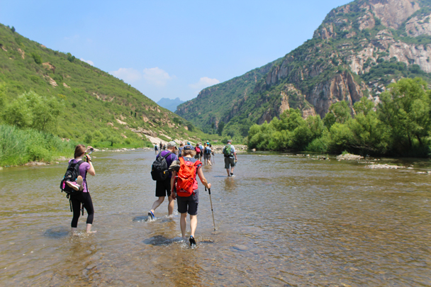 We spent around 15 minutes walking down through the river - White River hike, 2015/07/05