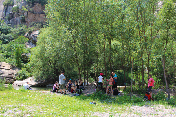 We stopped to cool off in the shade, and to have a few snacks and a chat before heading on - White River hike, 2015/07/05