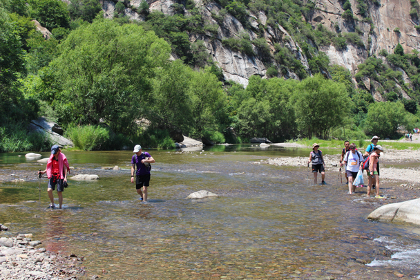 Crystal clear water - White River hike, 2015/07/05
