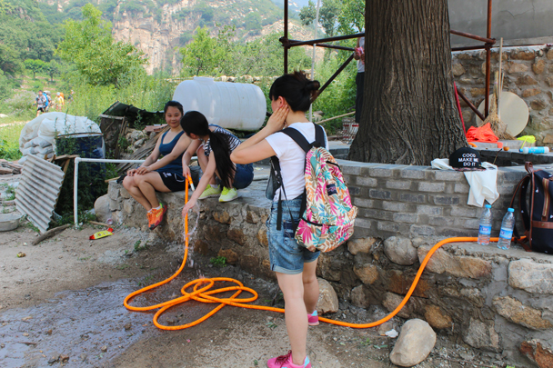 These girls have the right idea, it's hot! - Yunmeng Gorge hike and swim, 2015/07/12