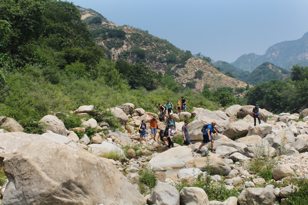 Crossing over the old riverbed - Yunmeng Gorge hike and swim, 2015/07/12