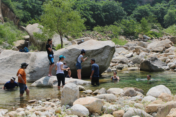 So cool in the water - Yunmeng Gorge hike and swim, 2015/07/12