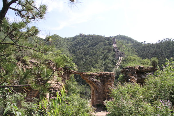 Looking back the other way, to the Great Wall on the other side of the valley - Walled Village to the Little West Lake, 2015/08/08