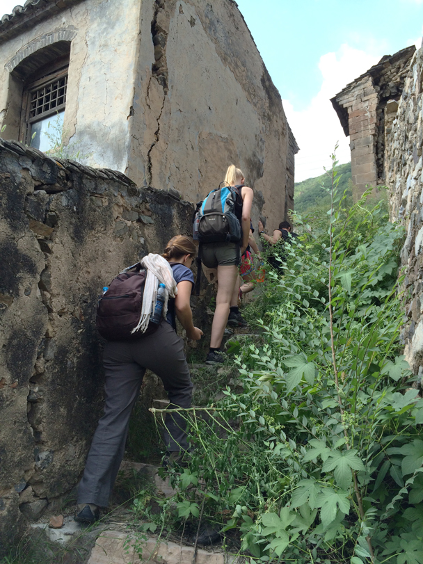 We explored the stairs and lanes in the village - Ming Village overnight, 2015/08