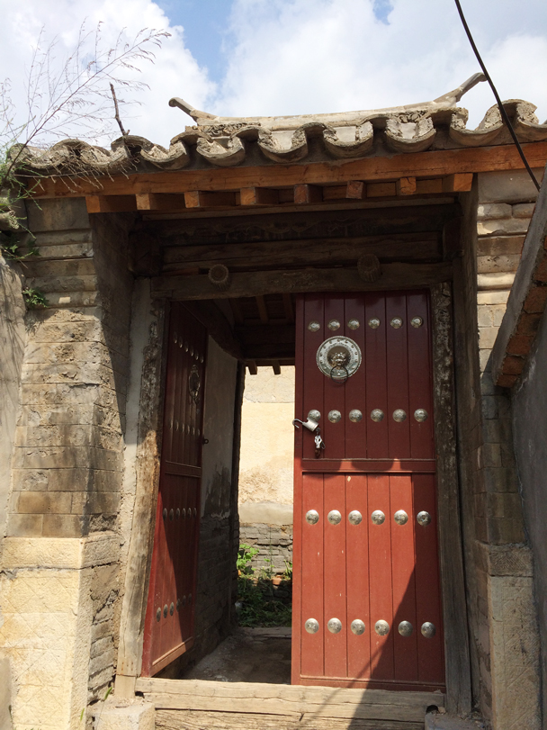 A new door for this courtyard - Ming Village overnight, 2015/08