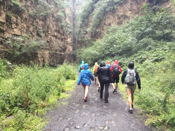 Heading up into the gorge - Ming Village overnight, 2015/08